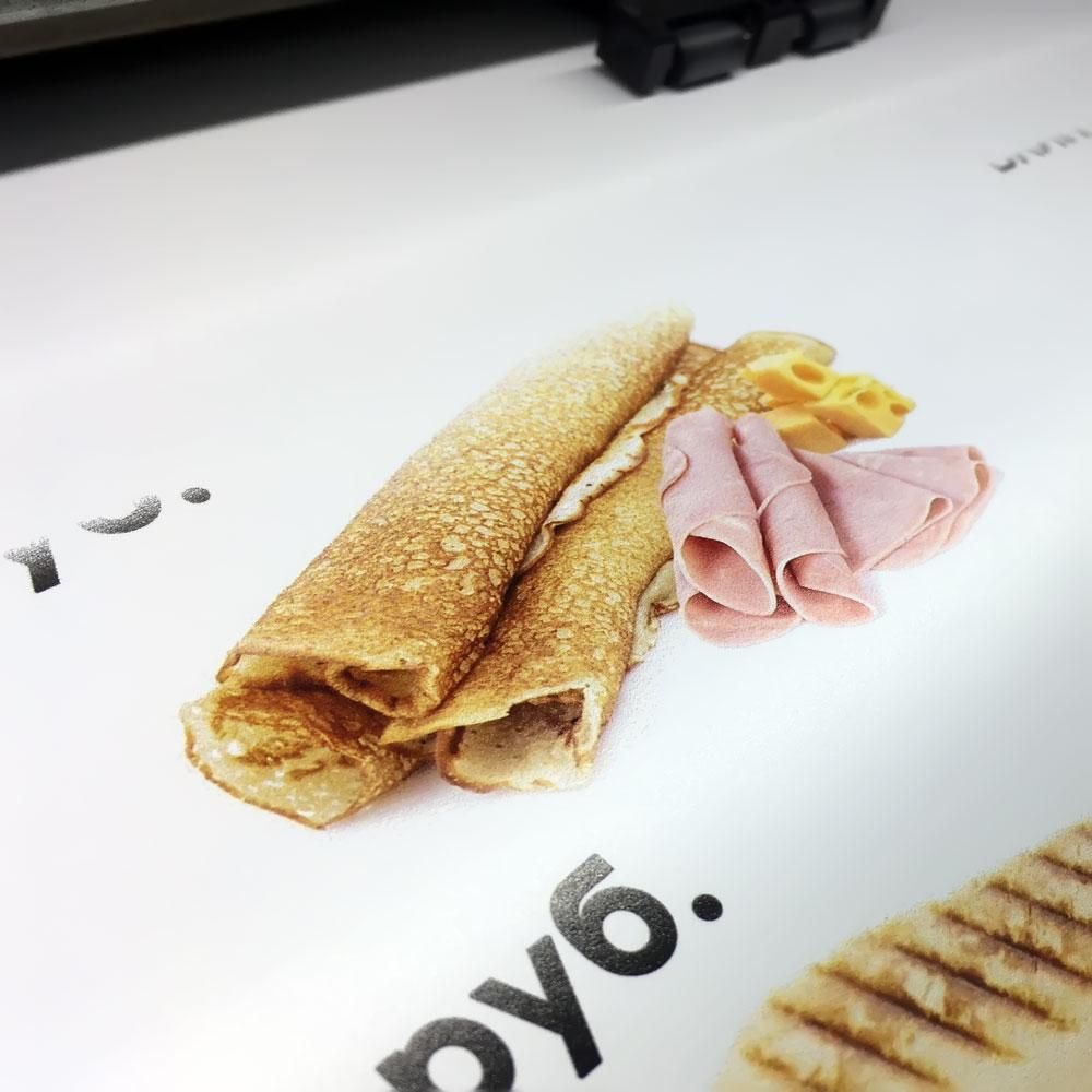 Печать меню в интерьер кафе